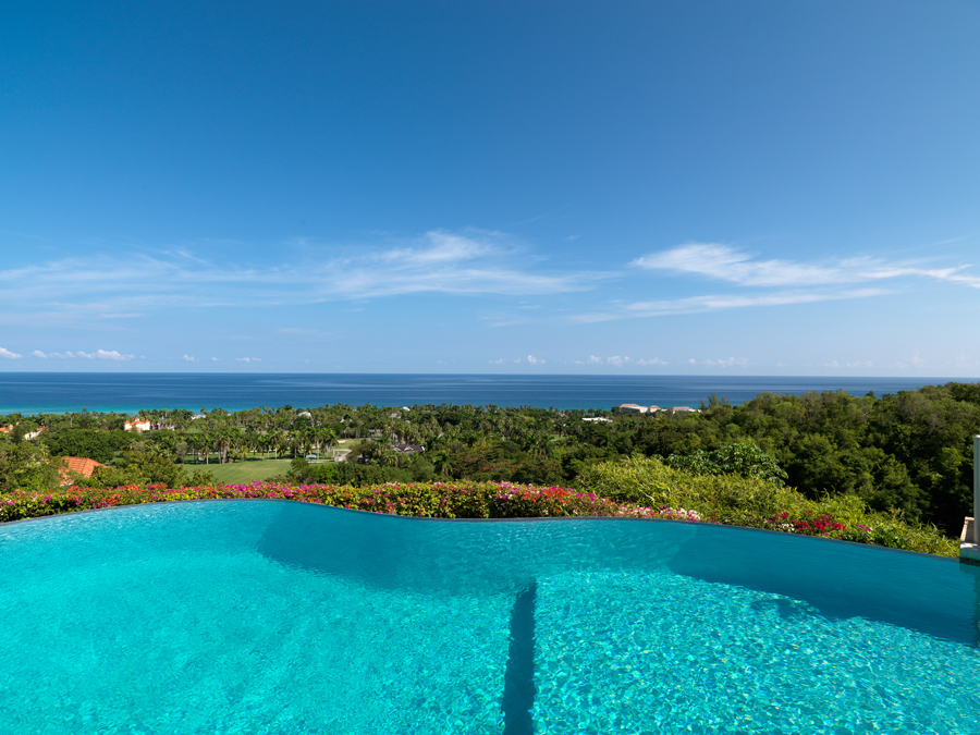 ... and a breathtaking, truly great view.   Captions © Copyright Villas by Linda Smith 2013