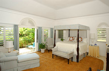 ACCOMMODATIONS in the SOUTH WING The Master Bedroom features a high canopied four-poster kingsize bed and French doors that open to a short path to the pool terrace and gardens.