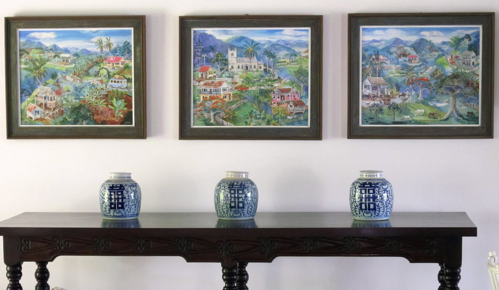 Summerland is home to an abundance of works by respected artist Eve Foster.  The villa homeowner has the largest private collection of Foster's body of work of any villa in this group.