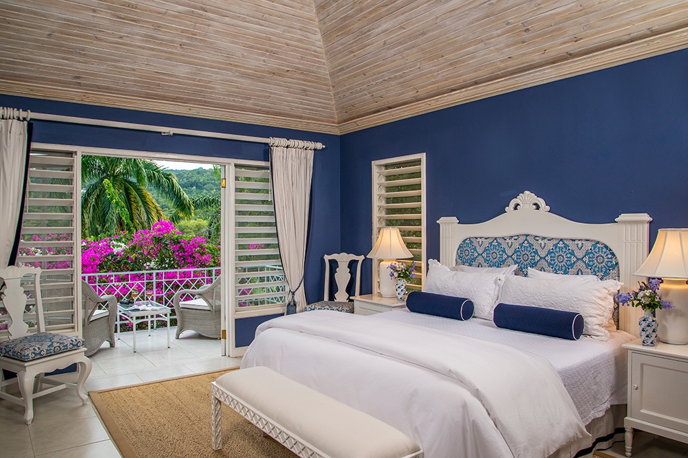 The beautiful Blue Bedroom is also king-bedded and has a walk-in shower ... and another lovely balcony through French doors.