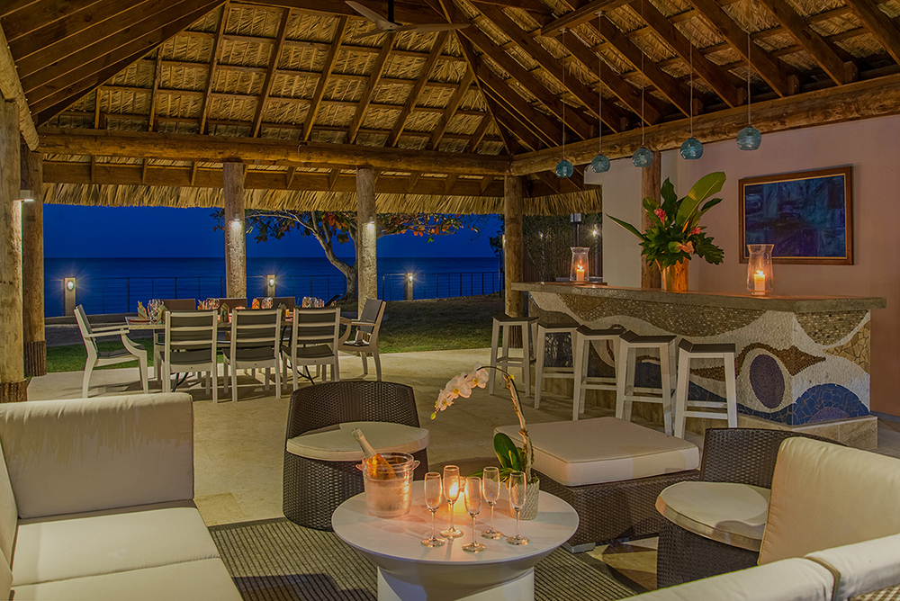 Perhaps Chef Akeema will start your evening with hors d'oeuvres and drinks at the gazebo bar.