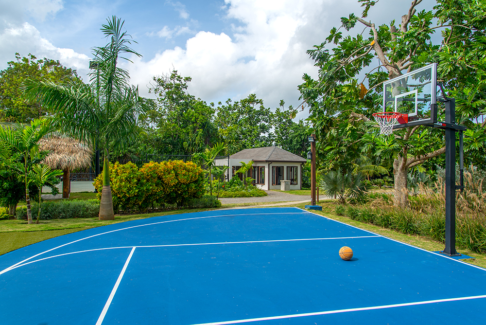 Quarter Basketball Court