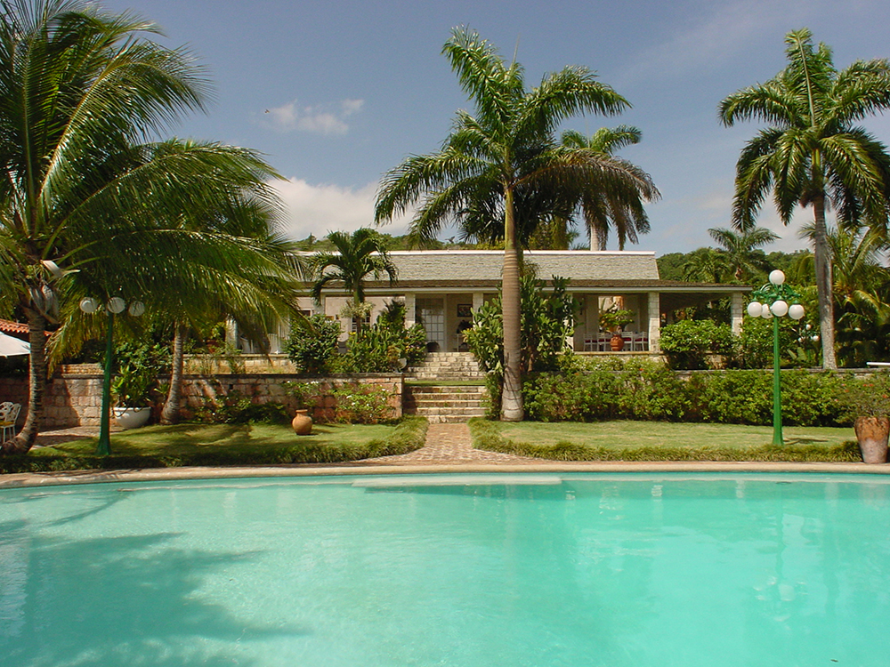 Built in the 1940's by the Duke of Marlborough, Drambuie Estate is a slice of old Jamaica...