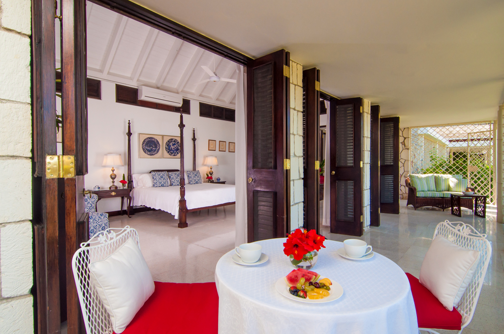 Early each morning, the butler quietly places eye-opener Jamaican coffee on the porch. A full cooked breakfast will be served when all guests are ready.