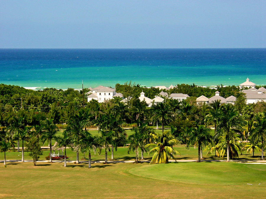 Complimentary Half Moon Golf, Tennis & Beach Club membership for Fairway Manor guests is an extraordinary package including unlimited free greens fees.  Other Half Moon amenities are five m