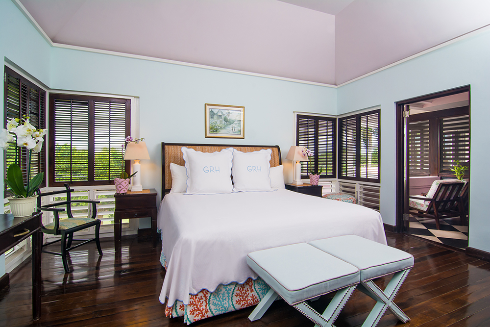 4 bedrooms on the main level have mahogany floors. All 5 bedrooms have en-suite bathrooms, fine linens, pillow menus, quiet remote control air conditioning, ceiling fans, iPod docks and WiFi.