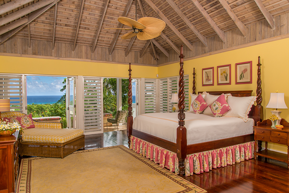 ACCOMMODATIONS The spacious Master Bedroom has gleaming mahogany floors and its own wonderful sea view.