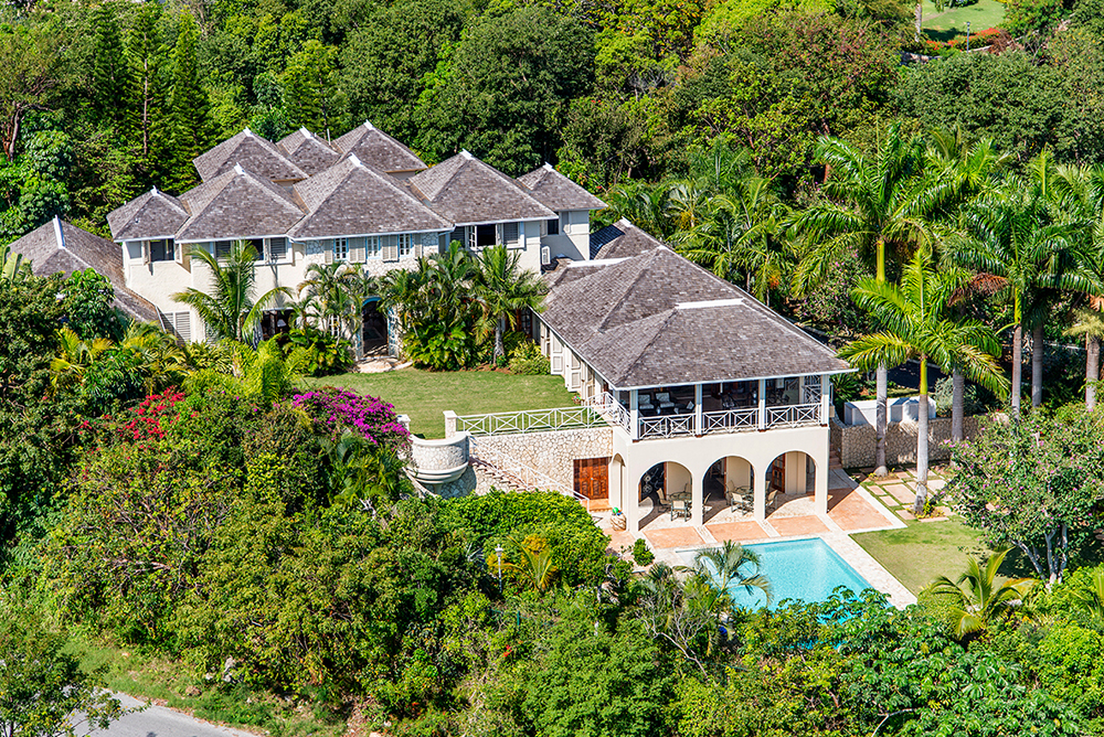 All 3 within walking distance of each other:  JUS' PARADISE 3 bedrooms ... just east of Jamaican Dream