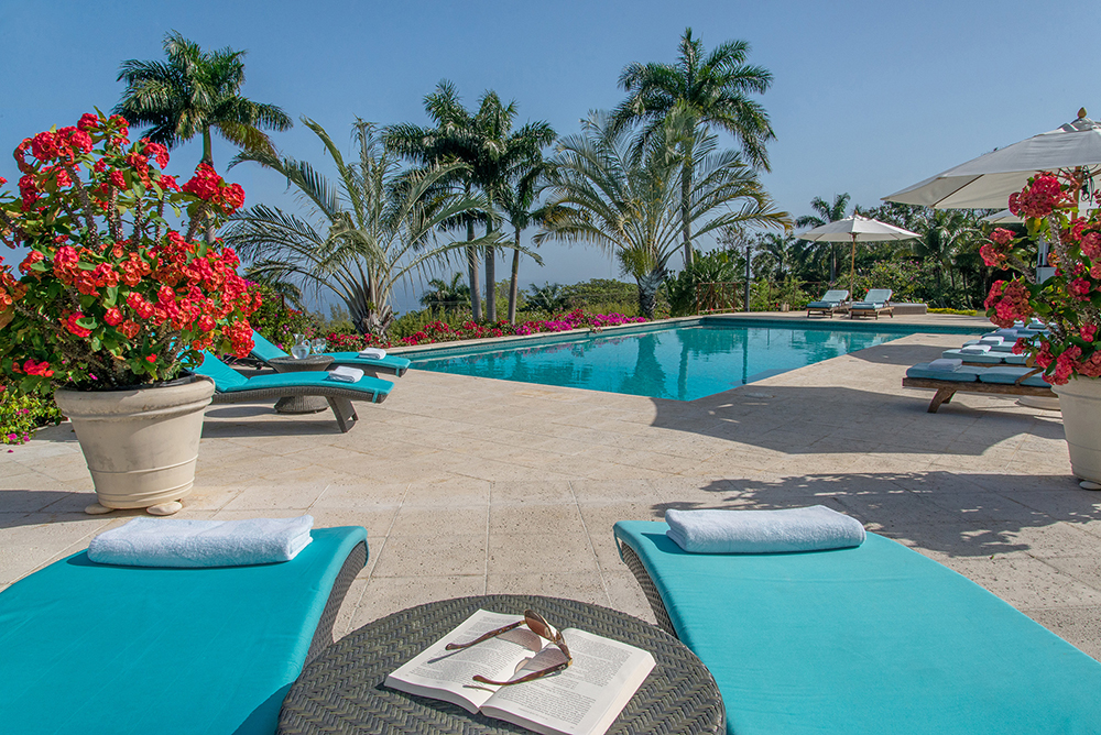 For those who want to leap out of bed and jump directly into the pool, this is the place for you!