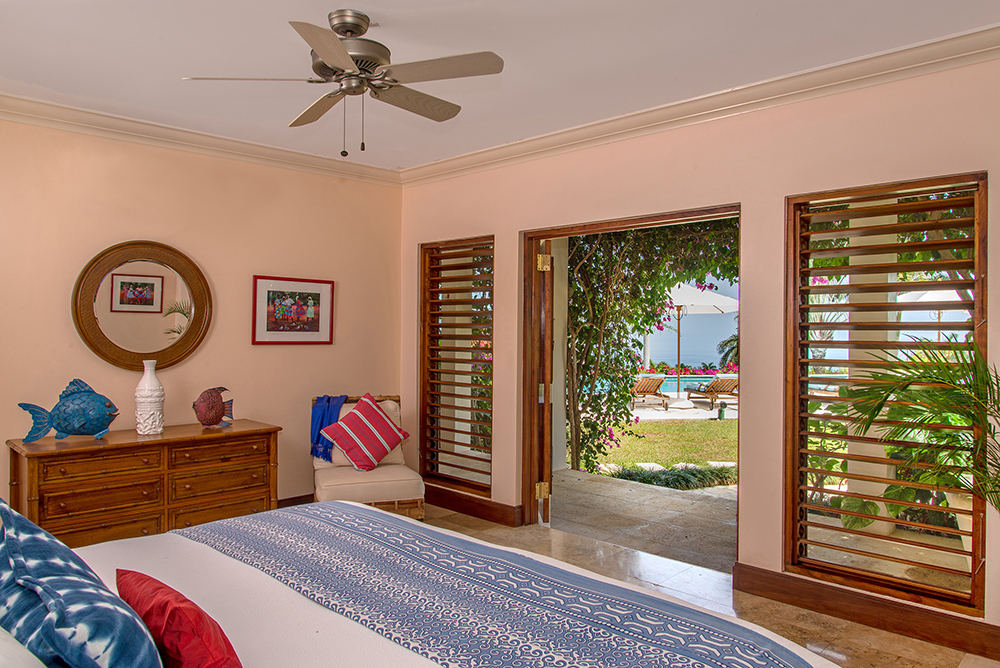 All three Guest Cottage bedrooms on ground level may be made up king or twin, at guests' option.