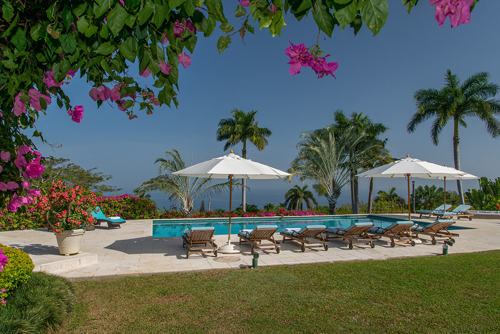 ... as is the pool terrace with ample seating for large groups.