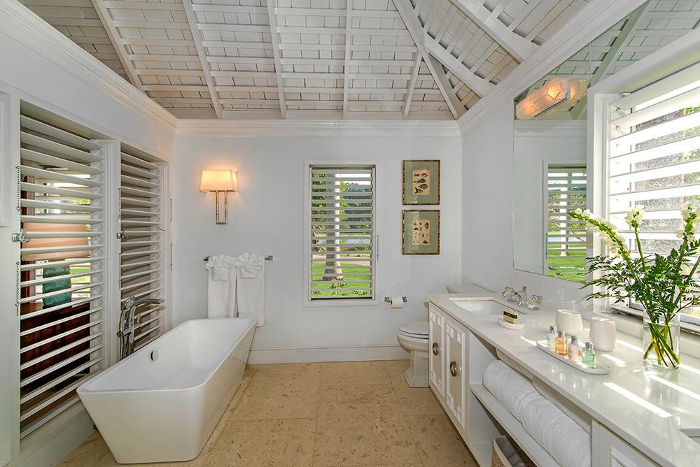 BEDROOM 3 can be king- or twin-bedded. Its bathroom has a deep soaking tub.