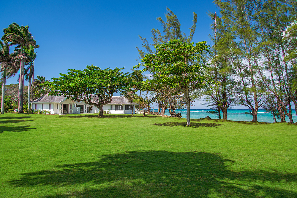Tradewinds' double lot includes the 12,000-square-foot lawn on the east side ... safe and super for kids to romp to their hearts' content.