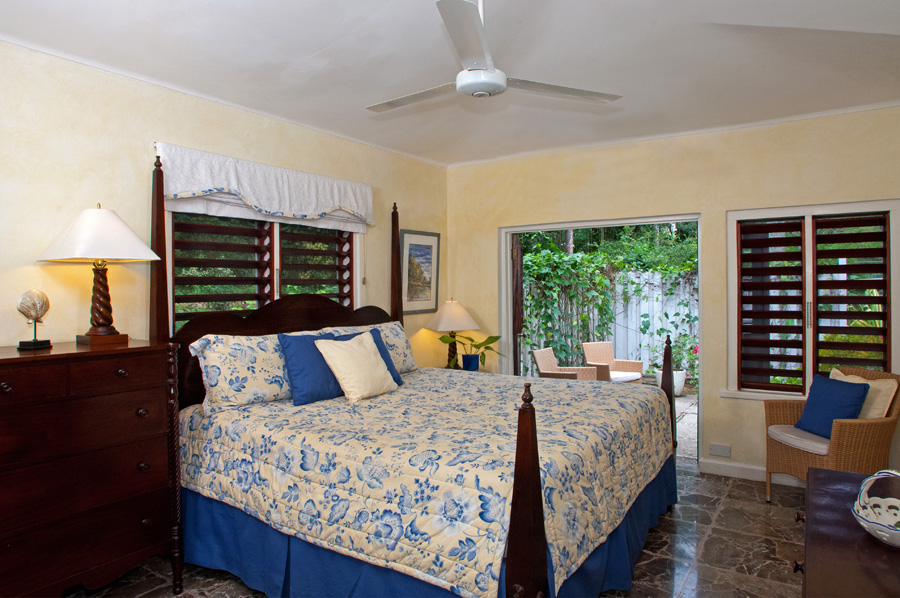 Bedroom 4 also has optional kingsize or twin beds and ...