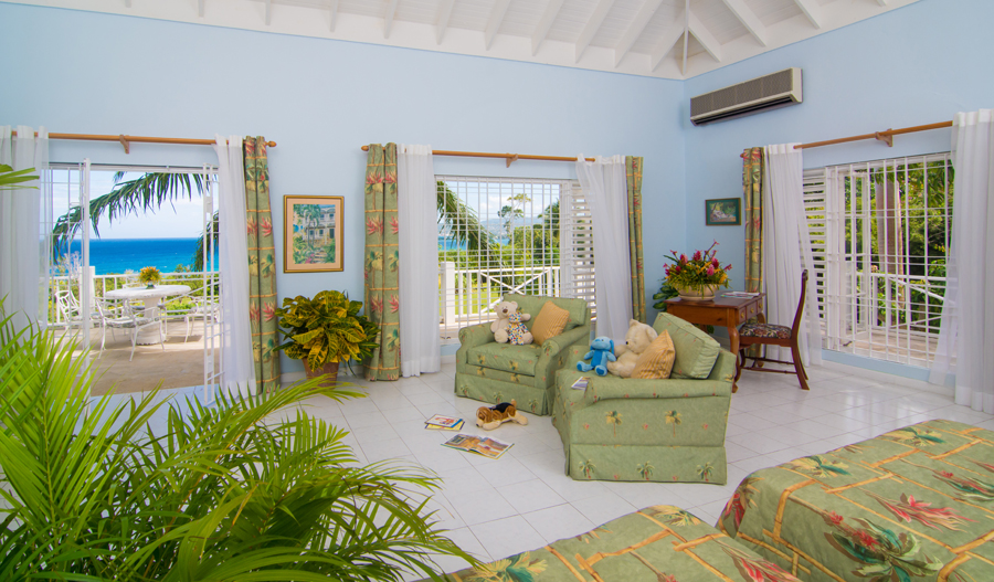 2nd MASTER BEDROOM - 600 sq ft  This suite has two double beds, comfortable sitting area for watching TV, desk, sea view ...